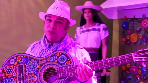 Juan Gabriel felicita la música de Diego Verdaguer - Diego Verdaguer